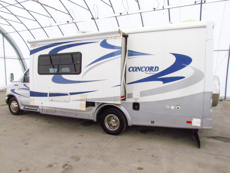 2004 Coachmen Concord 235SO  in Sherwood, Ohio