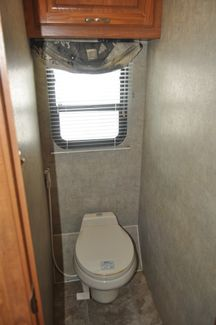 2004 Coachmen Cross Country 354MBS   city Florida  RV World Inc  in Clearwater, Florida