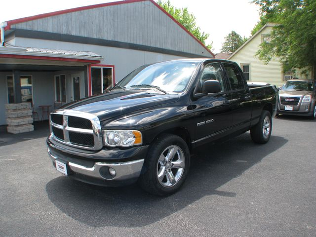 2004 Dodge Ram 1500 SLT in Coal Valley, IL 61240