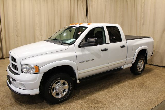 2004 Dodge Ram 2500 SLT in Roscoe IL, 61073
