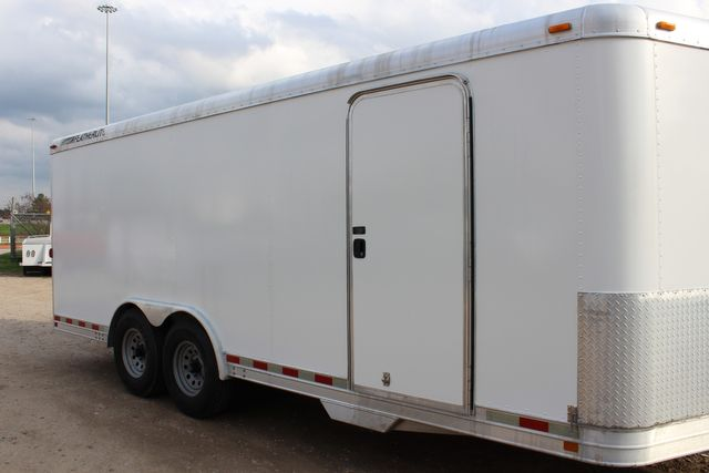 2004 Featherlite 4926 - 20 ENCLOSED CAR HAULER CONROE, TX 1