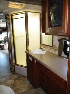 2004 Fleetwood Bounder 35B  city Florida  RV World of Hudson Inc  in Hudson, Florida