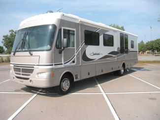 2004 Fleetwood SOUTHWIND 37C Chesterfield, Missouri 1