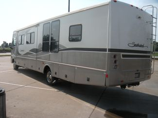 2004 Fleetwood SOUTHWIND 37C Chesterfield, Missouri 4