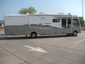 2004 Fleetwood SOUTHWIND 37C Chesterfield, Missouri 3