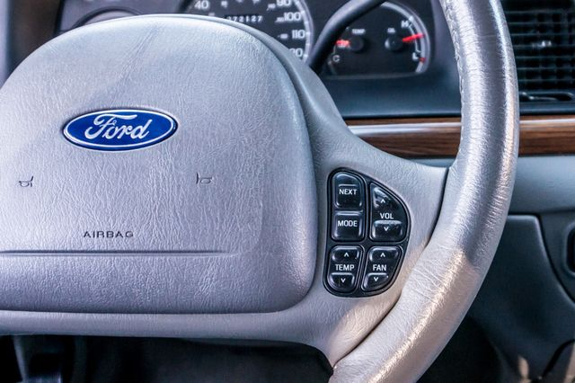 2004 Ford Crown Victoria LX Sport Reseda, CA 21