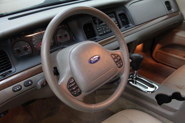 2004 Ford Crown Victoria LX Richmond, Virginia 3