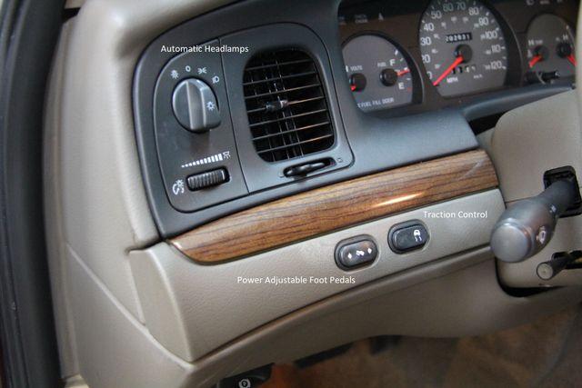 2004 Ford Crown Victoria LX Richmond, Virginia 4