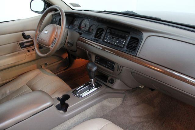 2004 Ford Crown Victoria LX Richmond, Virginia 12