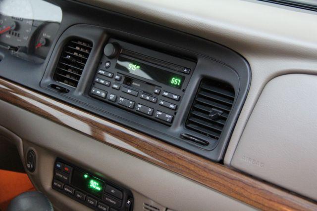 2004 Ford Crown Victoria LX Richmond, Virginia 13