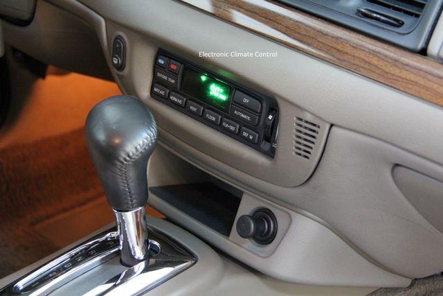 2004 Ford Crown Victoria LX Richmond, Virginia 14