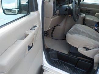 2004 Ford Econoline Wagon XL Fayetteville , Arkansas 7