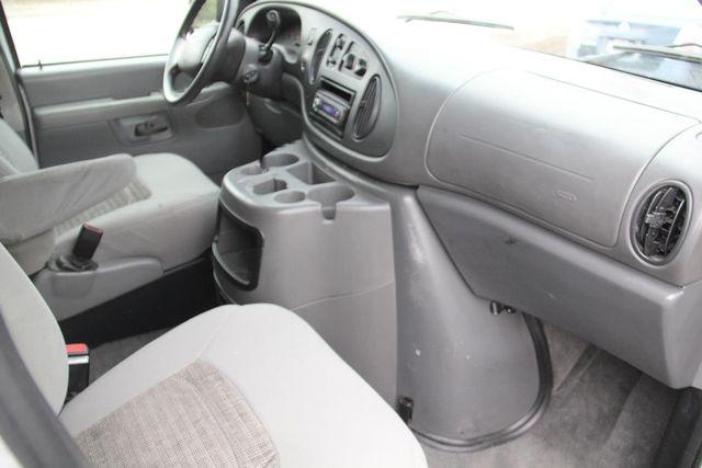 2004 Ford Econoline Wagon XLT Santa Clarita, CA 17