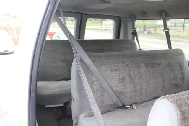 2004 Ford Econoline Wagon XLT Santa Clarita, CA 19