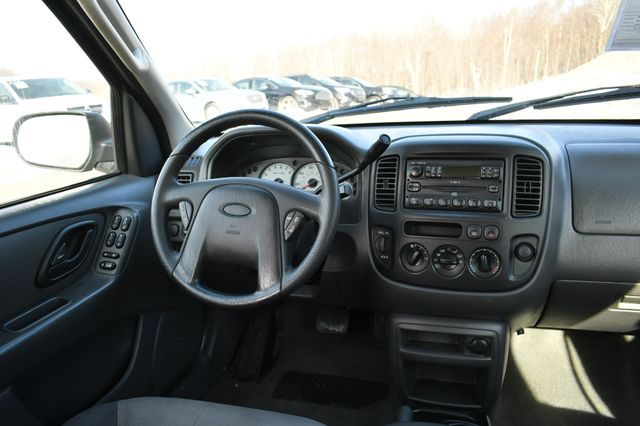2004 Ford Escape XLS Naugatuck, Connecticut 16