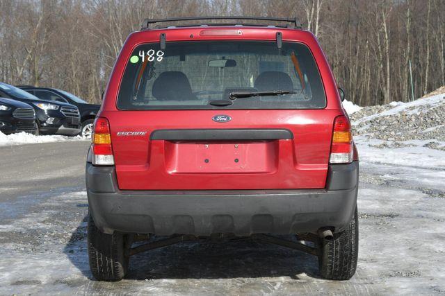 2004 Ford Escape XLS Naugatuck, Connecticut 3