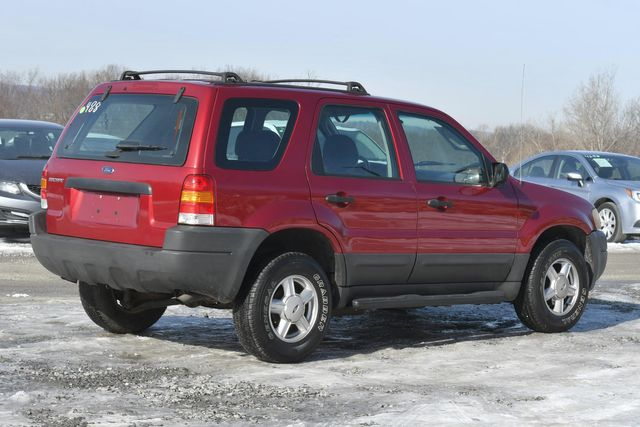 2004 Ford Escape XLS Naugatuck, Connecticut 4