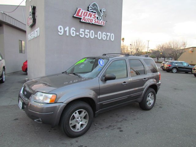 2004 Ford Escape Limited 4 x 4