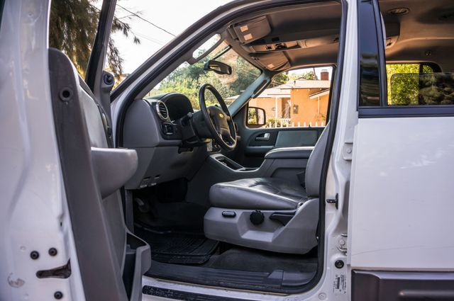 2004 Ford Expedition XLT Reseda, CA 14