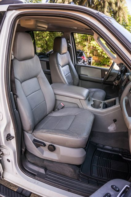 2004 Ford Expedition XLT Reseda, CA 30