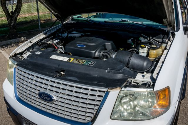 2004 Ford Expedition XLT Reseda, CA 37