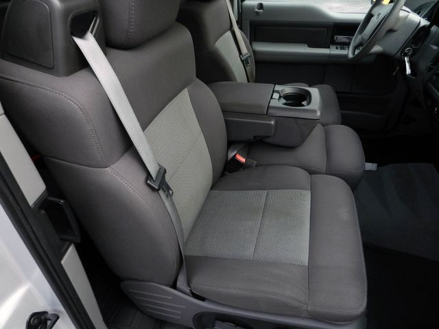2004 Ford F-150 XL in Nashville, Tennessee 37211