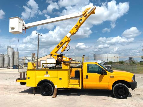 2004 Ford F550 BUCKET TRUCK   in Fort Worth, TX