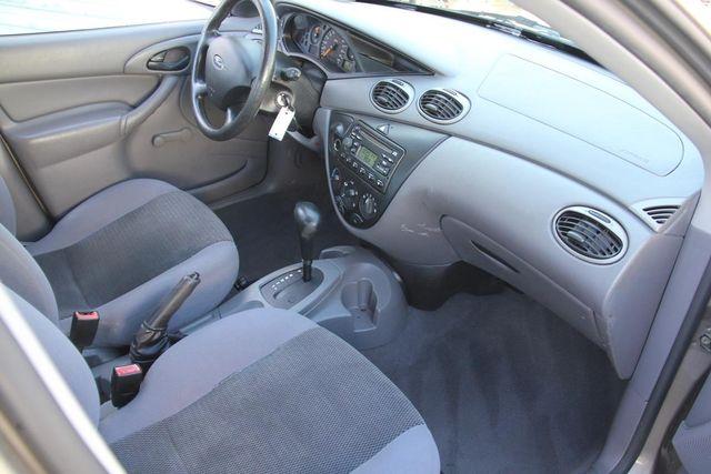 2004 Ford Focus LX Santa Clarita, CA 9