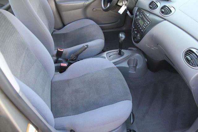 2004 Ford Focus LX Santa Clarita, CA 14