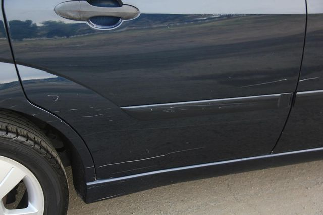 2004 Ford Focus ZX5 Comfort Santa Clarita, CA 25