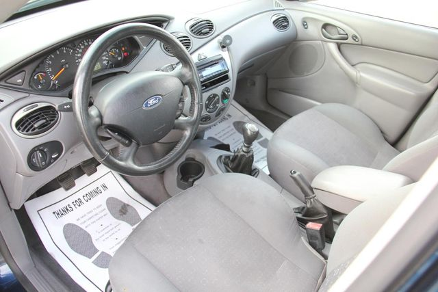 2004 Ford Focus ZX5 Comfort Santa Clarita, CA 8