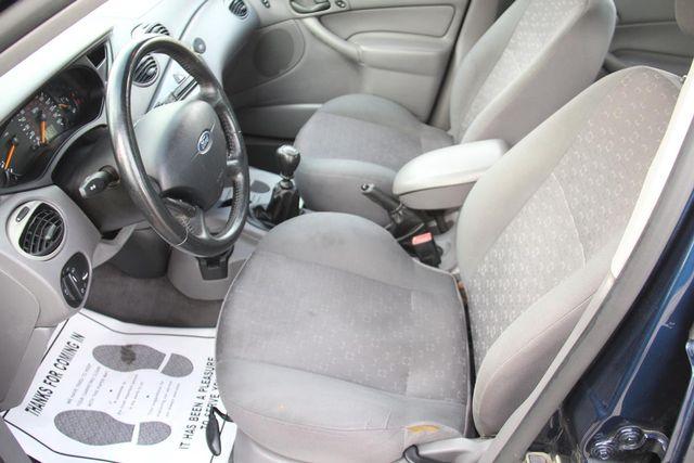 2004 Ford Focus ZX5 Comfort Santa Clarita, CA 13