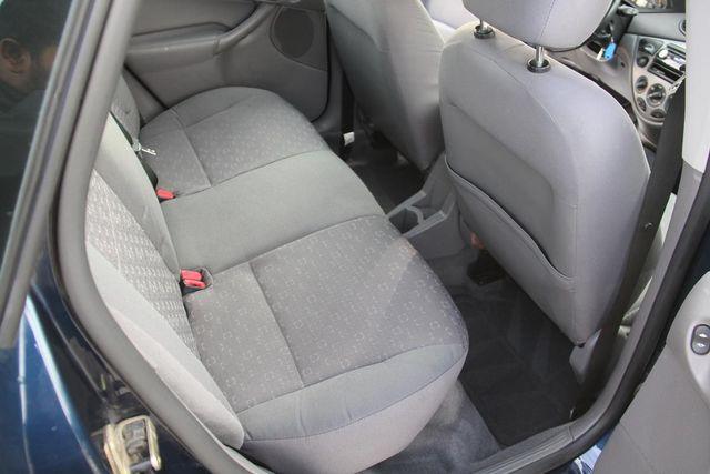 2004 Ford Focus ZX5 Comfort Santa Clarita, CA 15