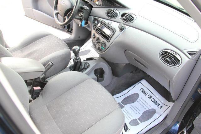 2004 Ford Focus ZX5 Comfort Santa Clarita, CA 9