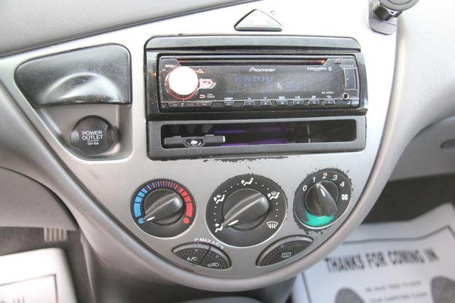 2004 Ford Focus ZX5 Comfort Santa Clarita, CA 18