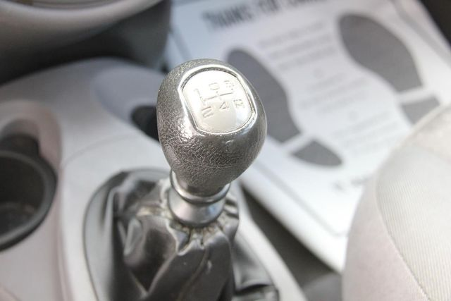2004 Ford Focus ZX5 Comfort Santa Clarita, CA 23