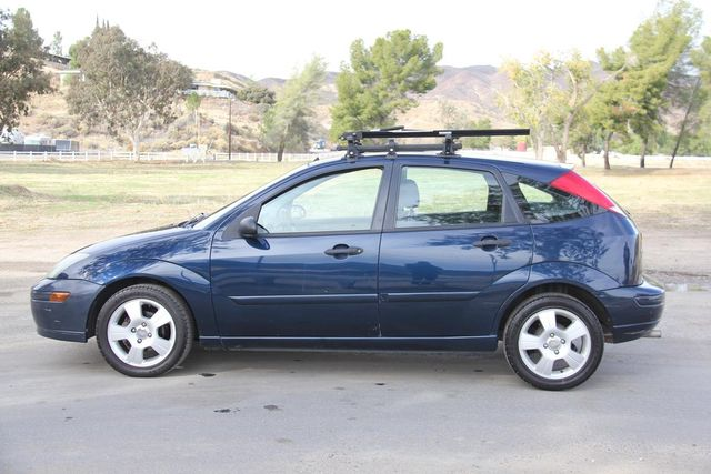 2004 Ford Focus ZX5 Comfort Santa Clarita, CA 11