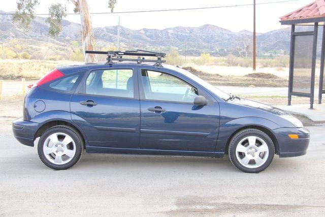 2004 Ford Focus ZX5 Comfort Santa Clarita, CA 12