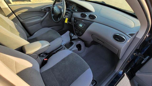 2004 Ford Focus SE Santa Clarita, CA 9