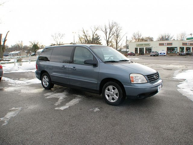 2004 Ford Freestar Wagon SES