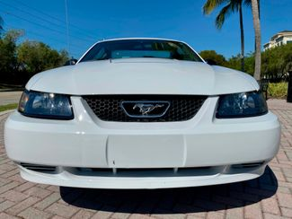 2004 Ford Mustang Deluxe Hollywood, Florida 9