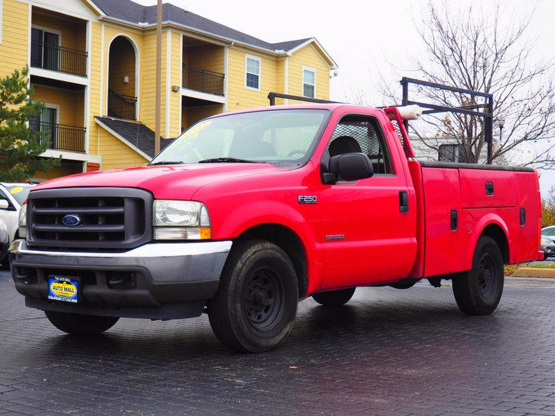 2004 Ford F-250 Super Duty XL  Diesel | Champaign, Illinois | The Auto Mall of Champaign in Champaign Illinois