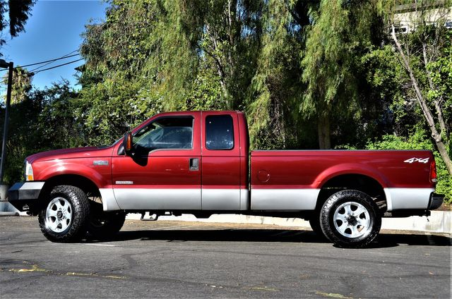 2004 Ford Super Duty F-250 XLT in Reseda, CA, CA 91335