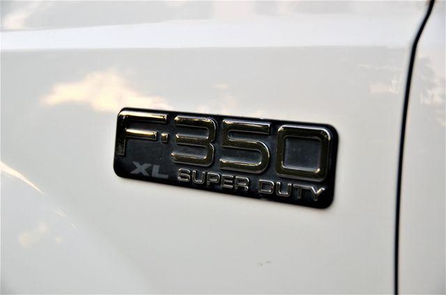 2004 Ford Super Duty F-350 SRW XL in Reseda, CA, CA 91335