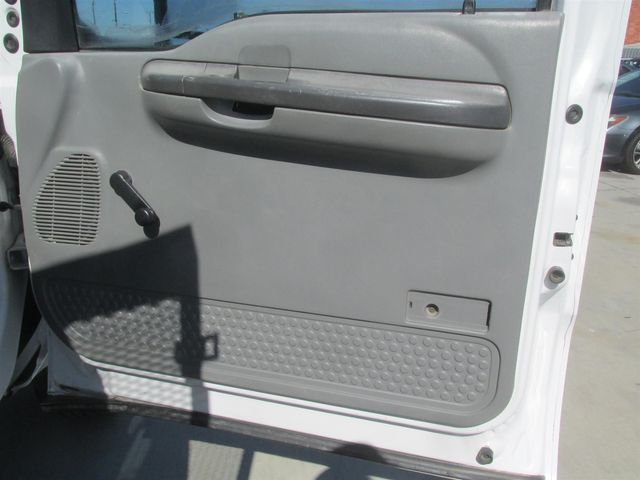 2004 Ford Super Duty F-450 DRW XLT Gardena, California 10