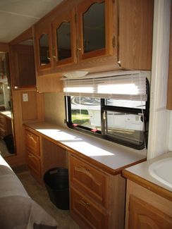 2004 Forest River Cardinal 5th  29LE  city Florida  RV World of Hudson Inc  in Hudson, Florida