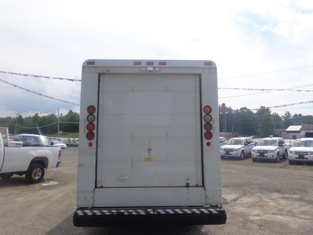 2004 Freightliner Chassis Hoosick Falls, New York 3