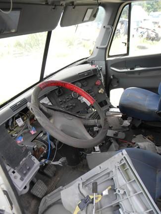 2004 Freightliner Columbia 120 Ravenna, MI 4