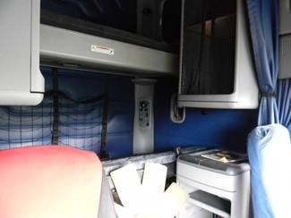 2004 Freightliner Columbia Ravenna, MI 3