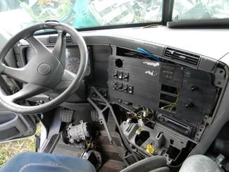2004 Freightliner Columbia Ravenna, MI 4